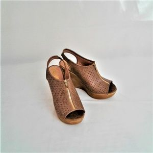 Rock & Candy Wedges Are Super Cute! Tan Size 9
